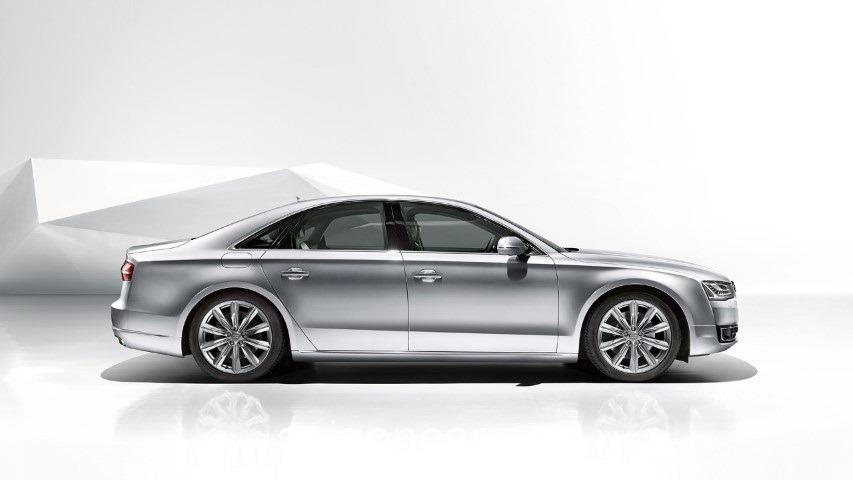Audi A8 Hong Xe