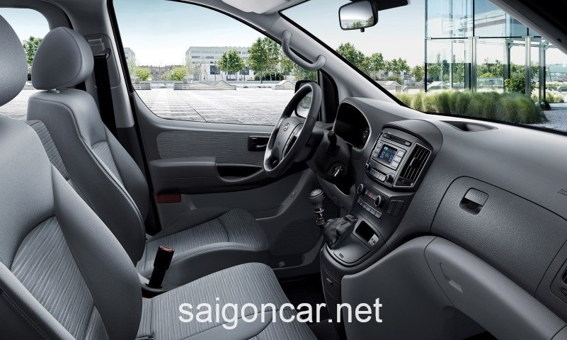 Hyundai Starex Khoang Truoc