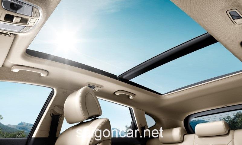 Hyundai Tucson Cua Troi