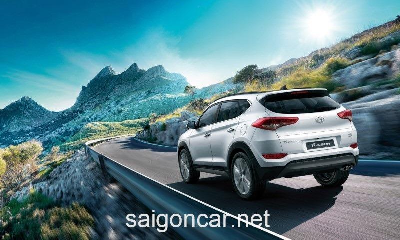 Hyundai Tucson Duoi Xe