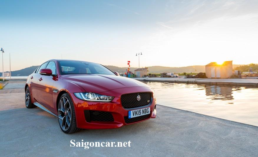 Jaguar XE thiet ke dau xe