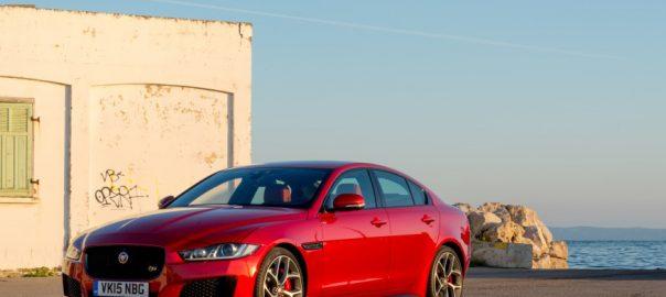 Jaguar XE ngoai that hoan hao