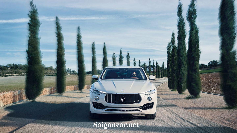 Maserati levante đầu xe khỏe khoắn mạnh mẽ và luôi cuốn