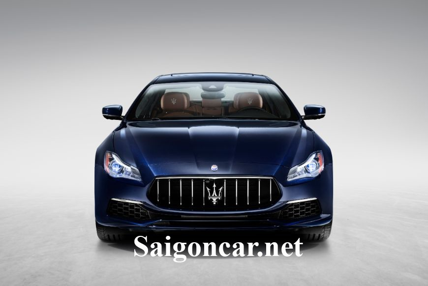 Maserati Quattroporte Đầu xe được thiết kế mạnh mẽ tinh xảo