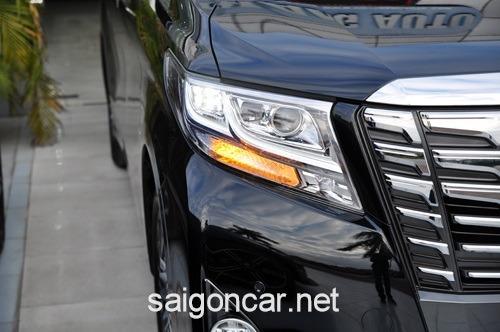 Toyota Alphard Den Xe Truoc