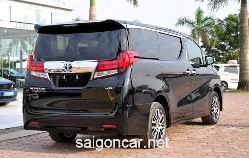 Toyota Alphard Duoi Xe