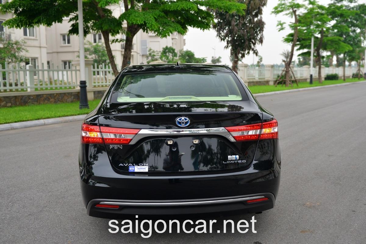 Toyota Avalon Duoi Xe
