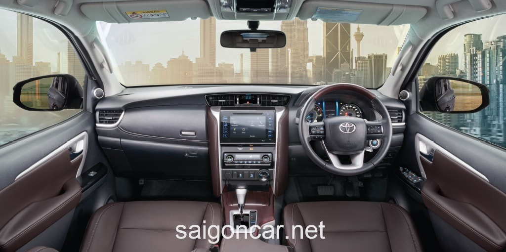 Toyota Fortuner Noi That