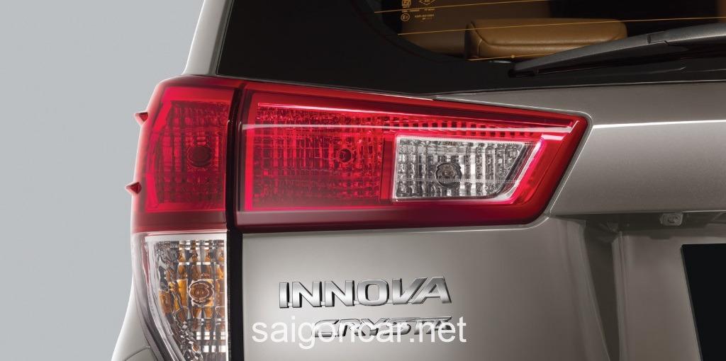 Toyota Innova Den Hau