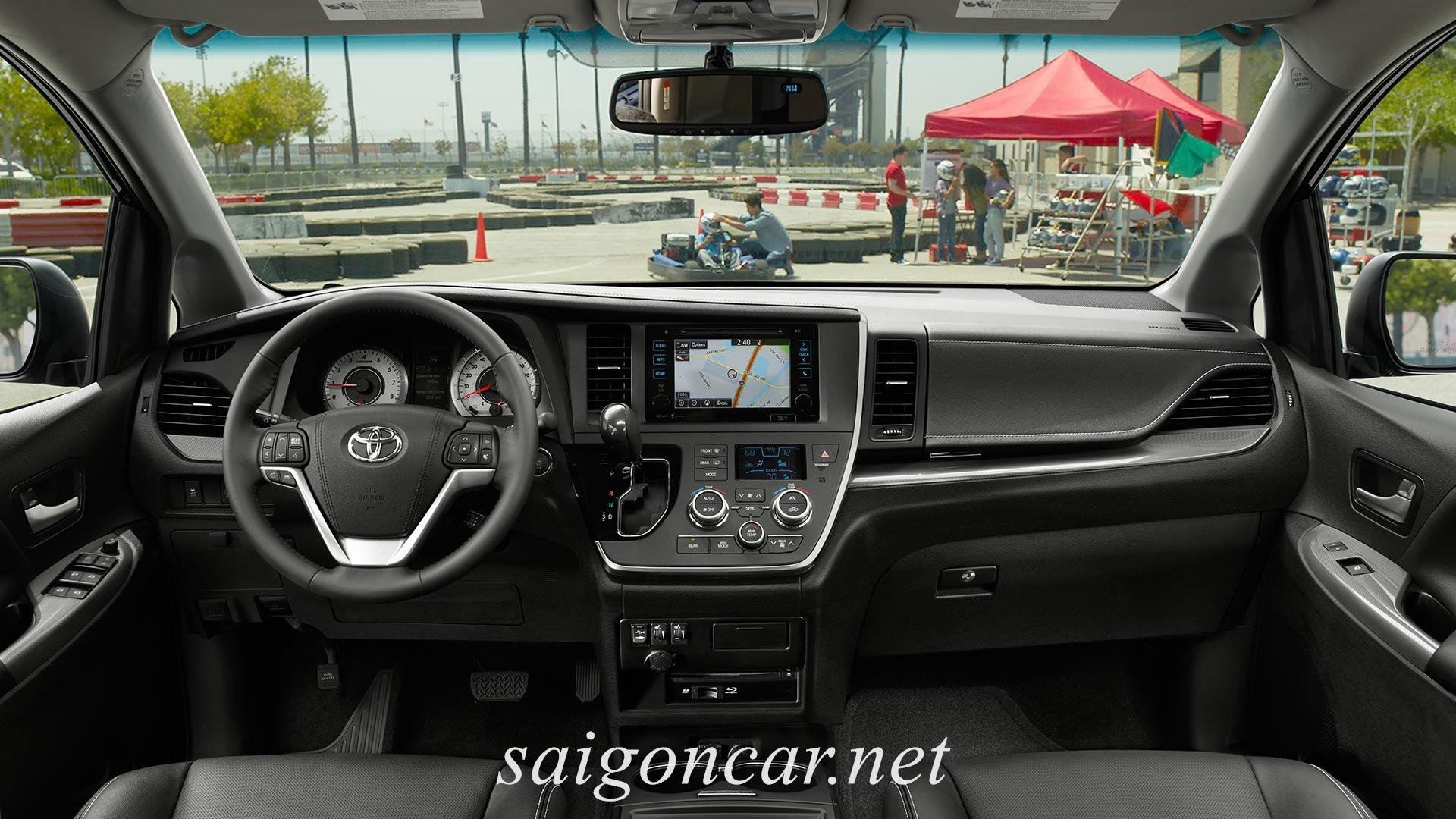Toyota Sienna Khoang Lai Xe