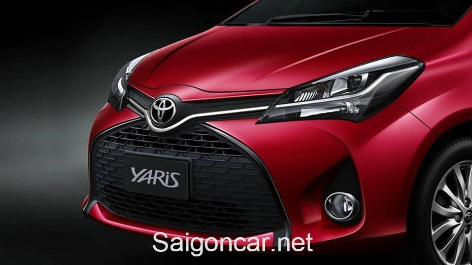 Toyota Yaris Den Xe Trai