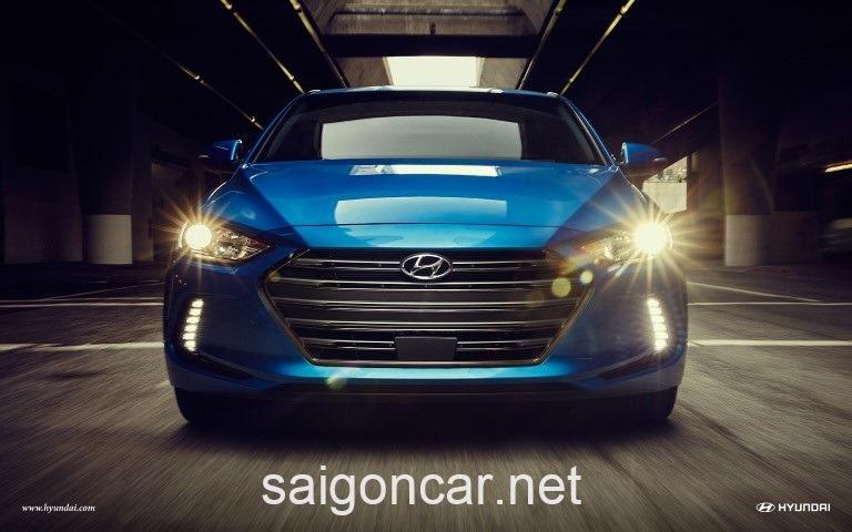 Hyundai Elantra Dau Xanh