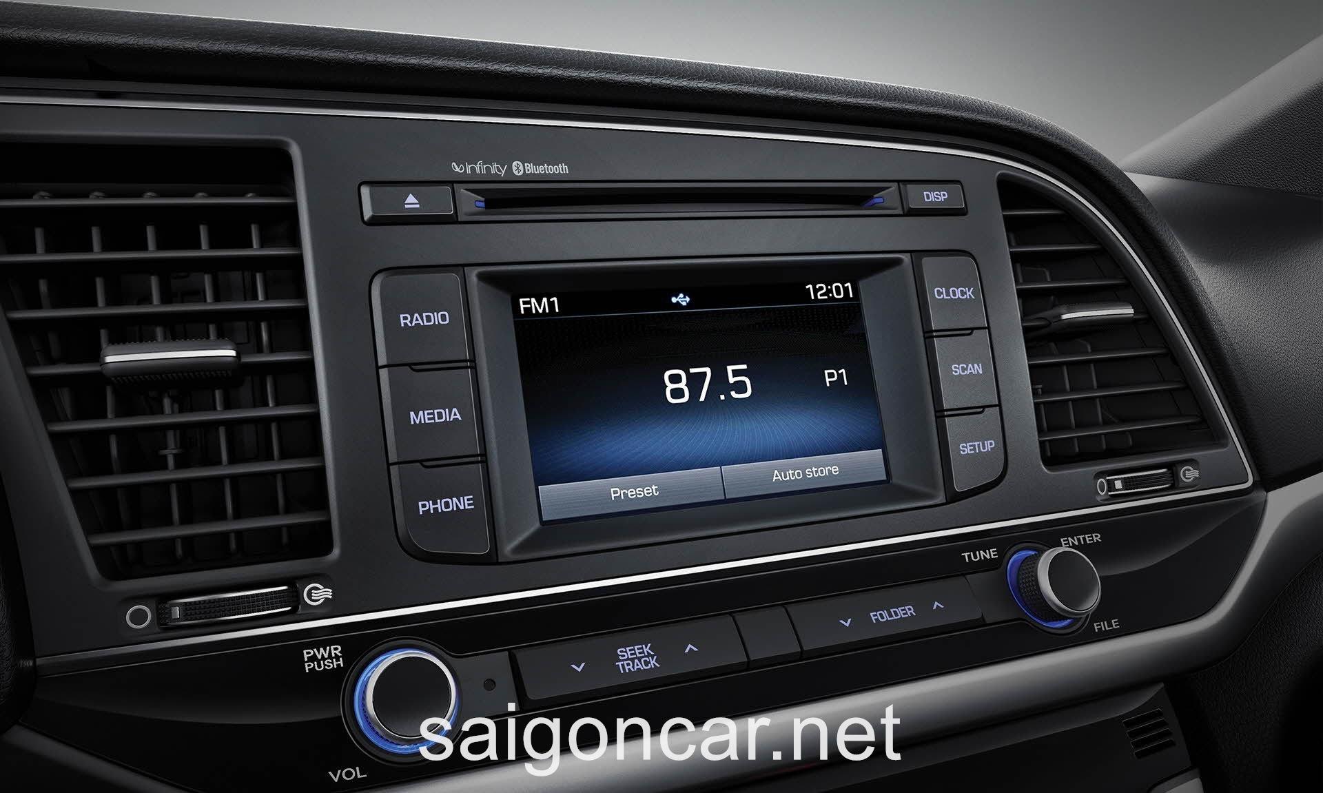 Hyundai Elantra Giai Tri