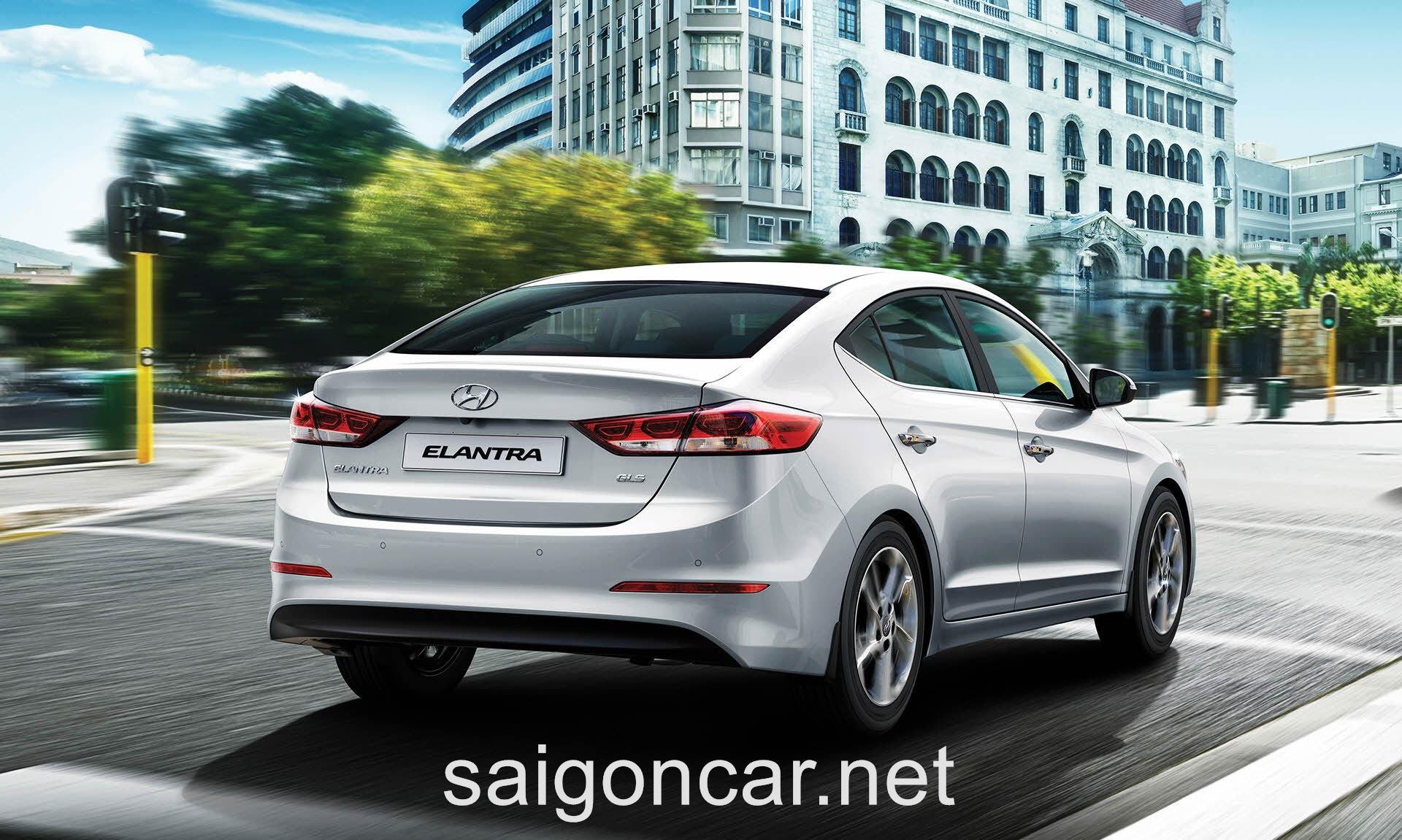 Hyundai Elantra Hong Phai