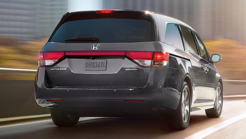Honda Odyssey Duoi Xe