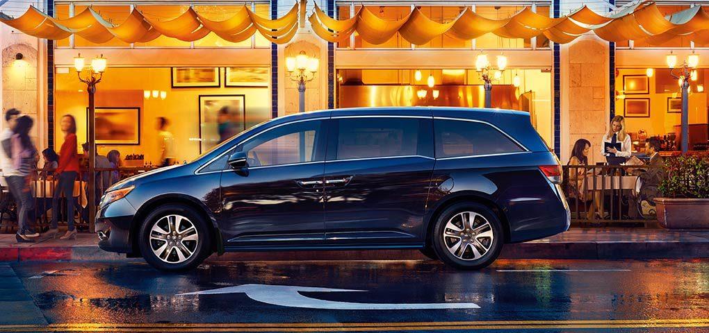 Honda Odyssey Hong Xanh