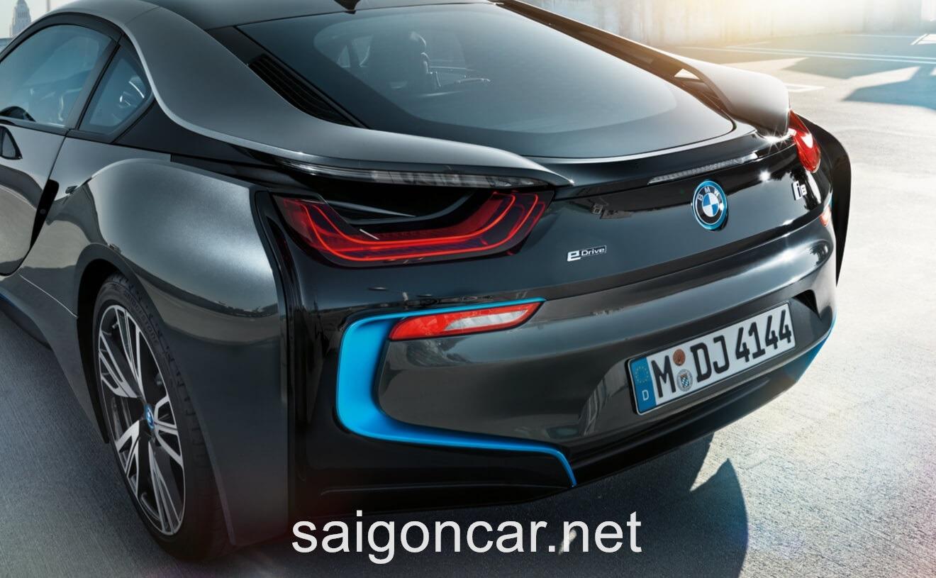 BMW i8 Duoi Xe