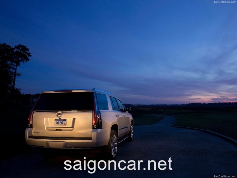 Cadillac Escalade Duoi Bac