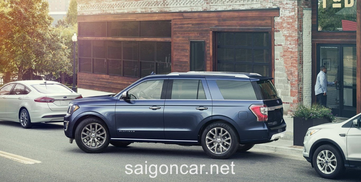 Ford Expedition Hong Xanh