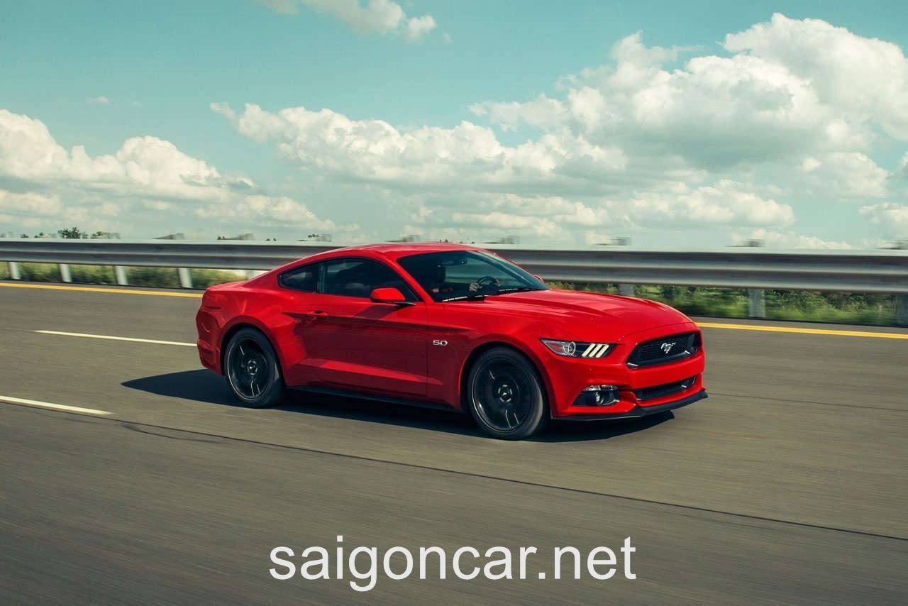 Ford Mustang Hong Xe Do