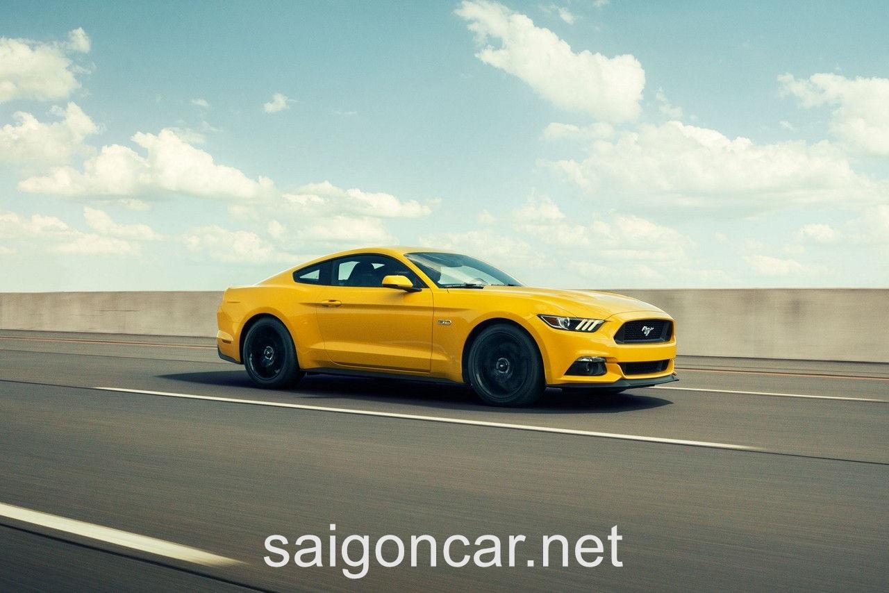 Ford Mustang Hong Xe Vang