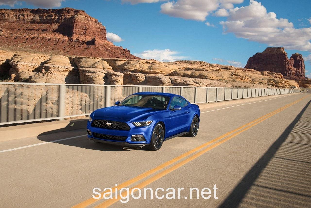 Ford Mustang Tong Quan Xanh