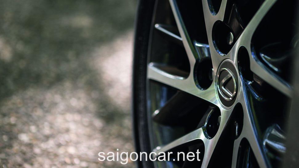 Lexus ES 250 La Zang