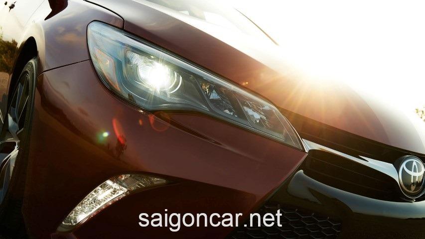 Toyota Camry LE Den Xenon