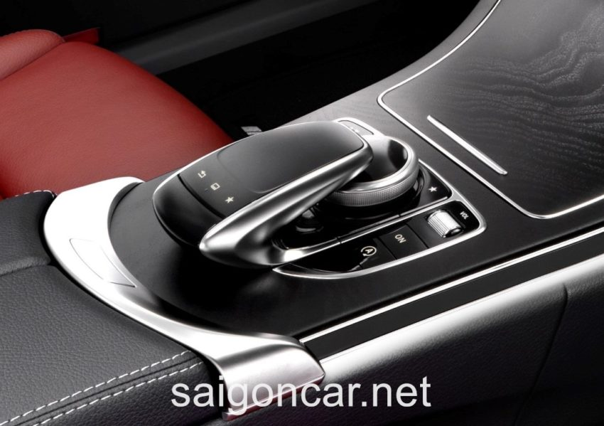 Mercedes C250 Nut Chinh