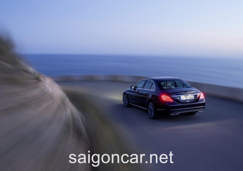 Mercedes C300 Duoi Xe 2