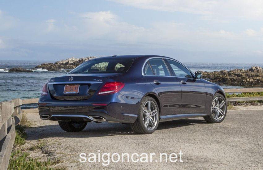 Mercedes E300 Den Sau