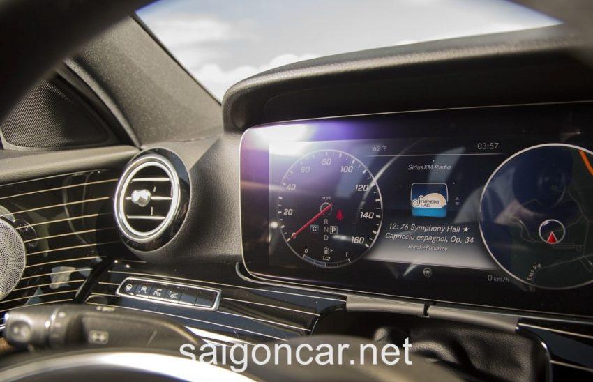 Mercedes E300 Dong Ho