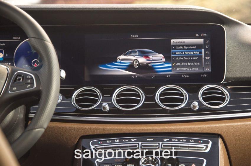 Mercedes E300 Man Hinh