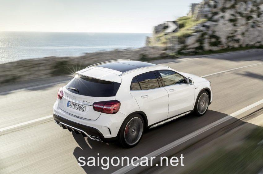 Mercedes GLA 45 Duoi Xe