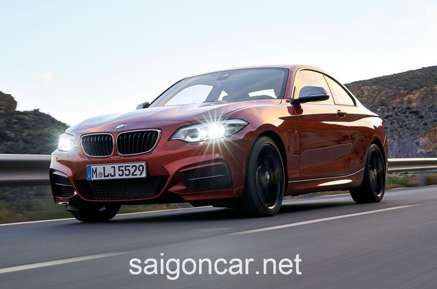 BMW 218i Den Truoc