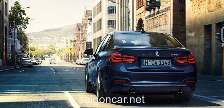 BMW 330i Duoi Xanh