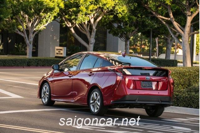 Toyota Prius Duoi Xe