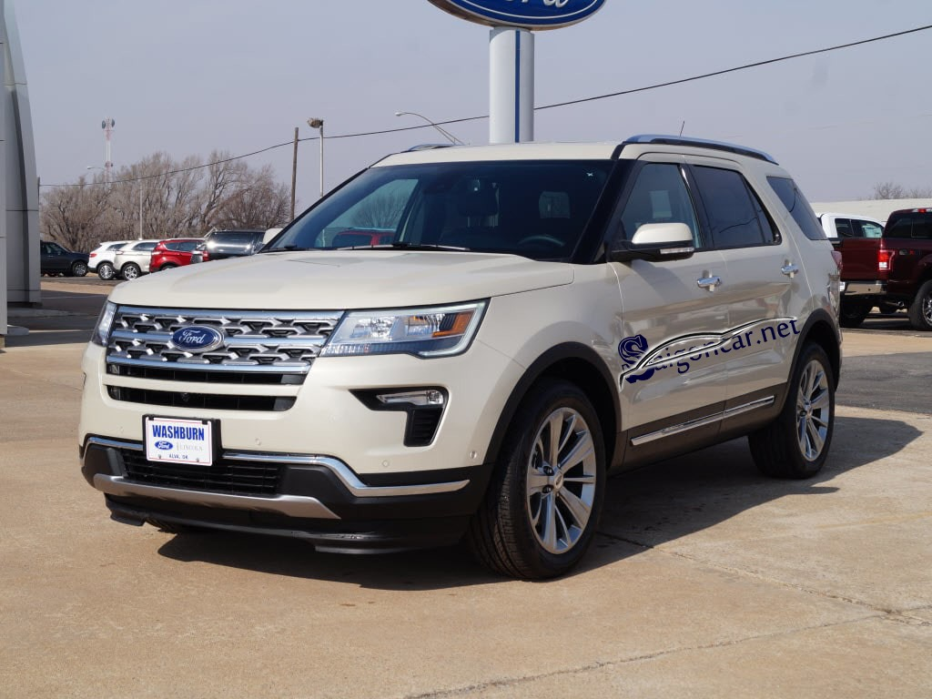 Ford Explorer Limited đầu xe