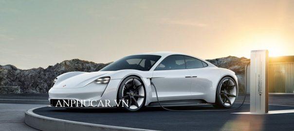 Những đánh giá chi tiết về dòng xe Porsche Taycan 2020