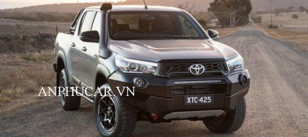 Giá lăn bánh Xe Toyota Hilux
