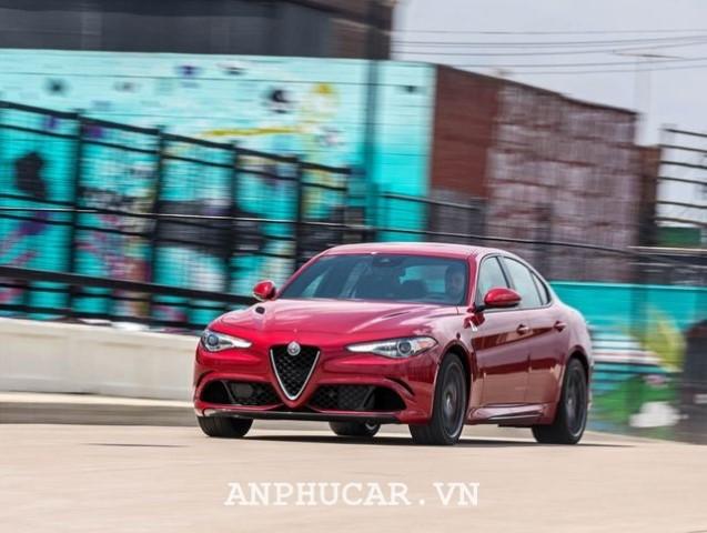 Alfa Romeo Quadrifoglio 2020