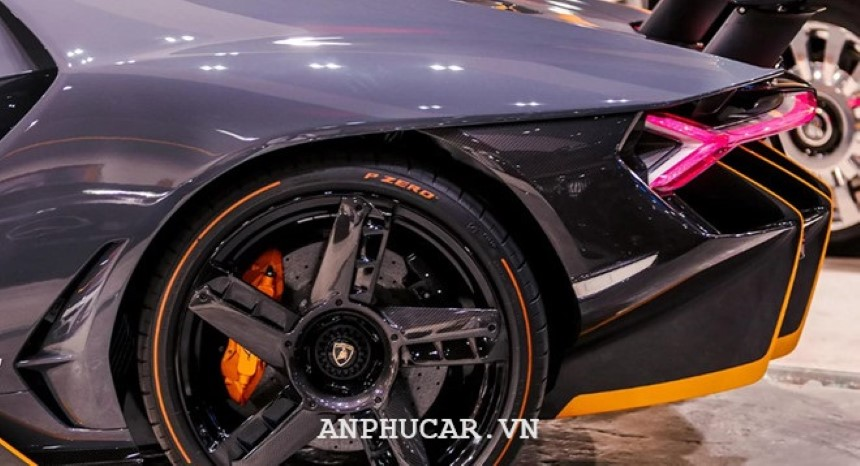 Lamborghini Centenario Roadster 2020 thiet ke