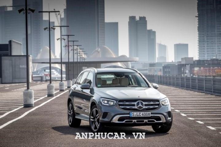 Đánh giá chi tiết về dòng xe Mercedes GLC 300 Couple 2020