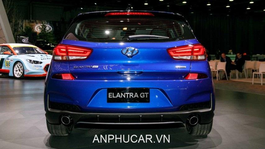 duoi xe Hyundai Elantra 2020