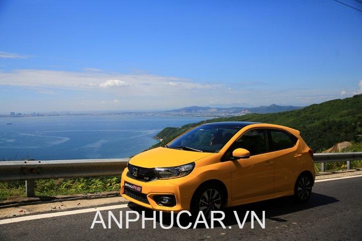 Chọn nội thất động cơ của Honda Brio 2020 hay Kia Soluto 2020
