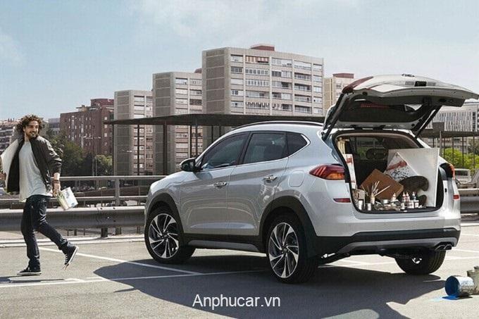 Hyundai Tucson 2020 Duoi Xe